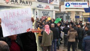 AK Parti Şanlıurfa binası önünde aday eylemi!