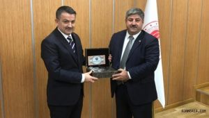 Başkan Eyyüpoğlu çiftçinin taleplerini Bakan'a iletti