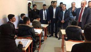 AK aday Yalçınkaya'dan gençlere övgü