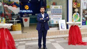 Turkcell Kızılelma İletişim hizmete girdi