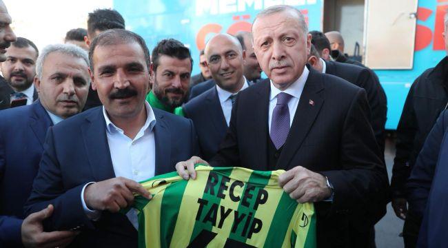 Cumhurbaşkanı Erdoğan'dan Şanlıurfaspor'a tam destek