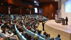 Harran Üniversitesi'nde Vergi Politika ve Uygulamaları Tartışıldı