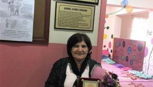 55 Yıllık Öğretmenden İlk Görev Yerine Kütüphane