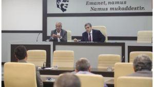 Başkan Beyazgül Büyükşehir yönetimiyle toplantı düzenledi