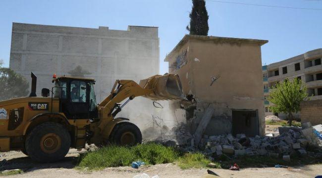 Eyyübiye Belediyesi Kaçak Yapıların Yıkımını Gerçekleştirdi.
