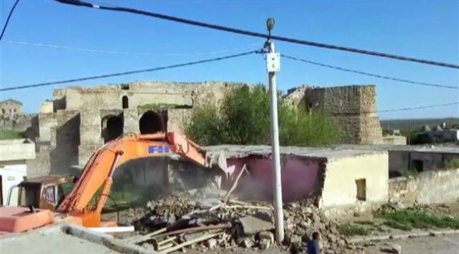 Harran'ın tarihi dokusuna zarar veren yapılar yıkılıyor