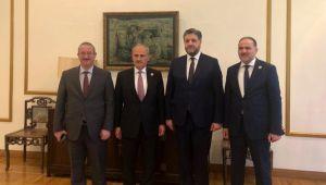 Ulaştırma Bakanı Cahit Turhan'dan Büyükelçi Önen'e ziyaret