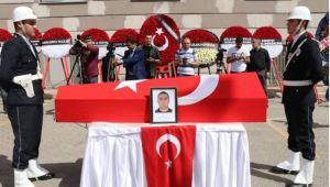 Urfa'da şehit olan polis son yolculuğuna uğurlandı