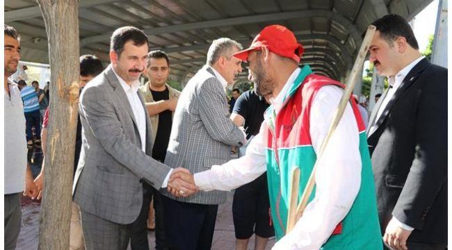 Başkan Baydilli vatandaşlarla bayramlaştı