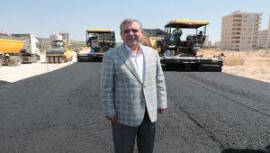 Başkan Beyazgül asfaltlama çalışmalarını denetledi