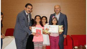 Minikler Ödüllerini Başkan Canpolat'tan aldılar