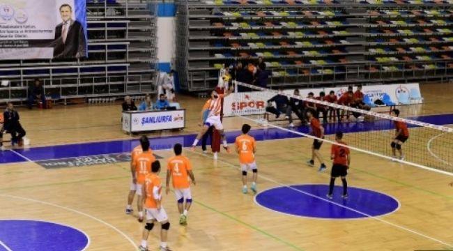 Şanlıurfa Büyükşehir Voleybol Yeni Sezon Hazırlıklarına Başladı