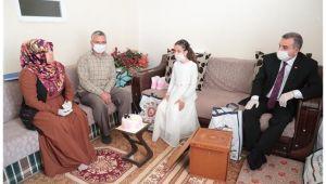 Başkan Beyazgül'den Küçük Sümeyra'ya sürpriz ziyaret