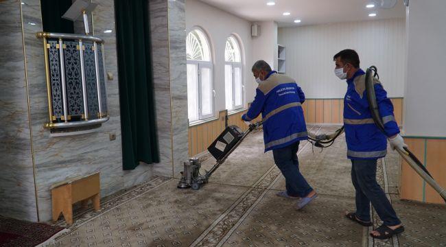 HALİLİYE'DE CAMİLER İBADETE HAZIR