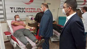 Harran Üniversitesi Sağlık Çalışanlarından Kan Bağışı