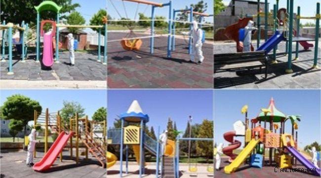 Hilvan'da çocuklara verilecek izin öncesi parklar dezenfekte edildi