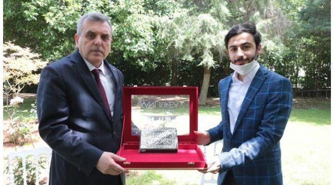 Türkiye birincisinden Başkan Beyazgül'e ziyaret