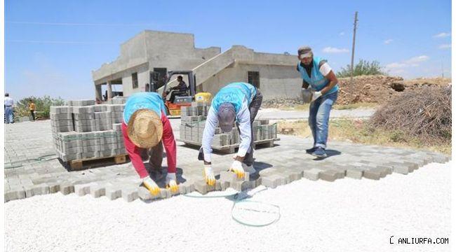 Eyyübiye'de parke taşı döşeme çalışmaları sürüyor