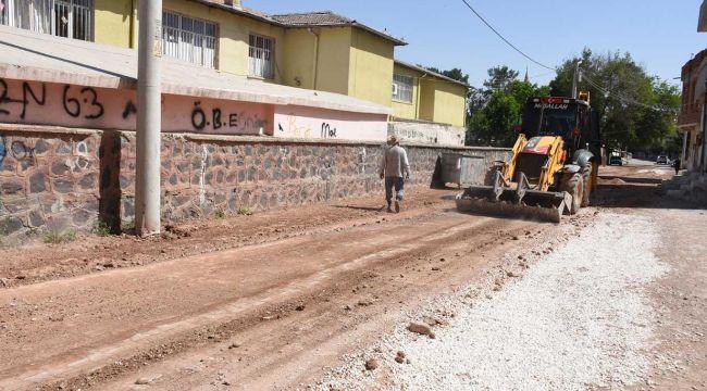 Şanlıurfa Hilvan'da alt yapı çalışmaları devam ediyor