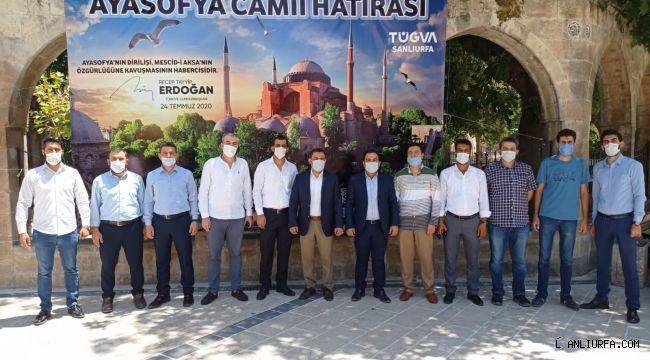 Dergah Camisi önünde Ayasofya için hatıra standı kuruldu