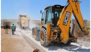Haliliye'de merkez ve kırsalda yol yapım çalışmaları sürüyor