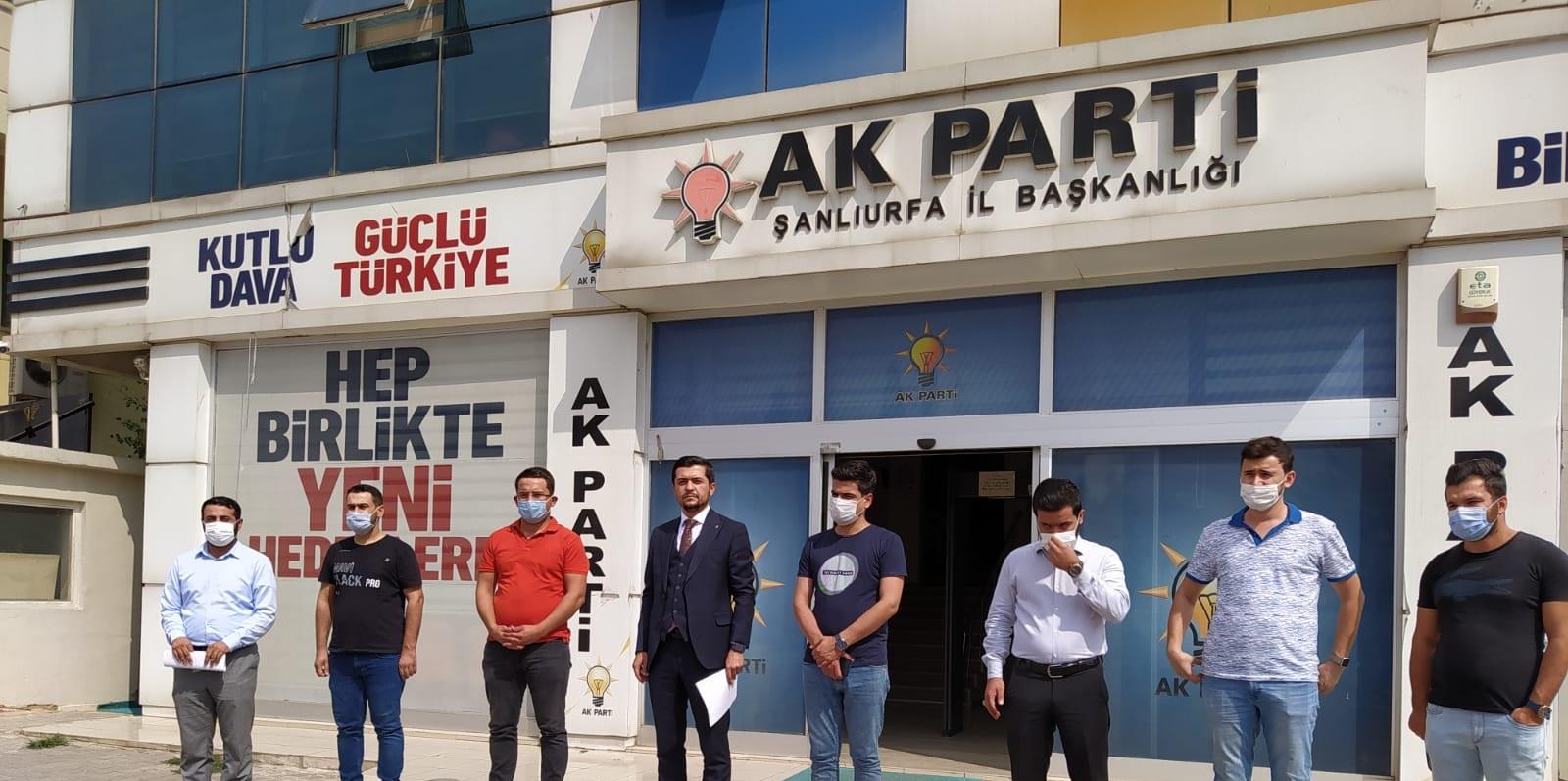 AK Parti'den Erol Mütercimler hakkında suç duyurusu