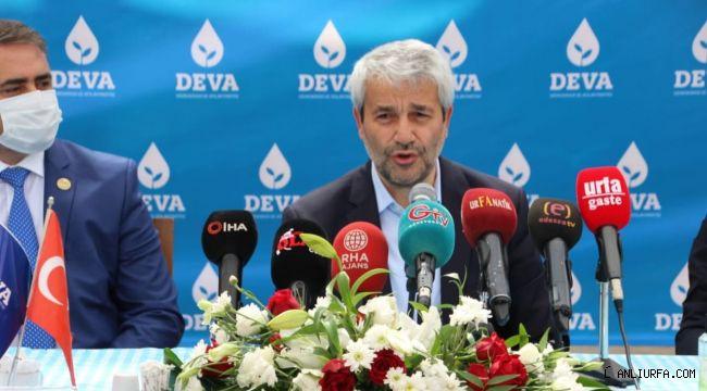 DEVA Partisi'nde ilçe başkanlarına yetki belgesi verildi