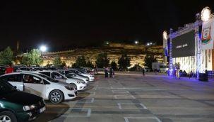 Urfa'da Arabada Sinema Etkinliğine Yoğun İlgi