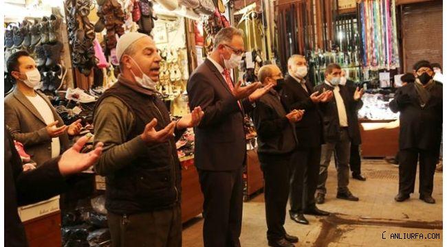 Başkan Kuş esnafla birlikte dua etti