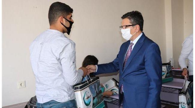 Halfeti'de Belediyeden Öğrencilere Eğitim Desteği