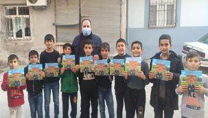 Viranşehir'de öğrencilere 25 bin hikaye kitabı dağıtıldı