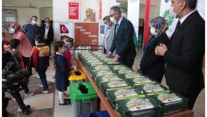 Eyyübiye Belediyesiden 15 bin öğrenciye eğitim seti
