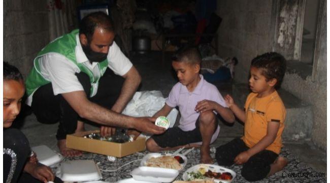 Şanlıurfa'da ihtiyaç sahibi ailelere iftariyelik dağıtıldı