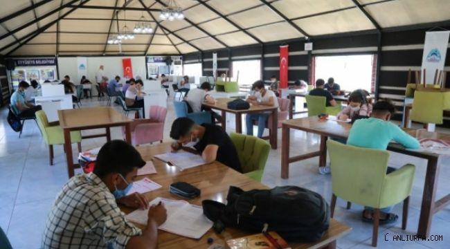 Eyyübiyeli Gençler Sınavlara Hazırlanıyorlar